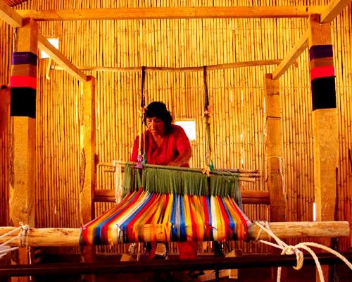 Textiler 237 A Y Vestimenta Aymara